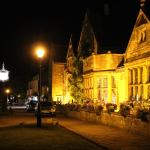The Lygon Arms at night