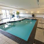 An indoor pool and whirlpool spa are available for guests
