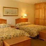 The family rooms are interleading offerin 2 double beds in each en-suite room.