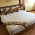 Bed with tiger patterns. My partner likes tiger so we had a very good time. hehe