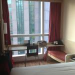 Photo de ibis Hong Kong Central & Sheung Wan Hotel