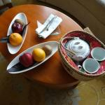 Welcome tea and fruits