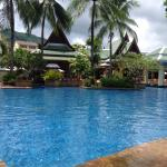 Photo de Holiday Inn Express Phuket Patong Beach Central