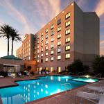 Exterior pool and building Radisson Phoenix Airport