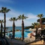 Photo de Oura-View Beach Club