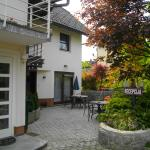spacious and fully equipped appartments in a peaceful green area with own parking and nice ambie