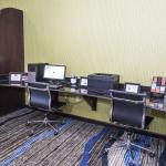 Photo de Holiday Inn Express & Suites-University Area