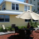 Sun N Fun Beachfront Vacation Rentals resmi