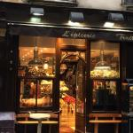 Hungry? This fabulous food shop is right next door to the Da Vinci.