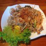 Chicken cashew nuts and Pad thai: delicious and Very large portions!! Yummy!!