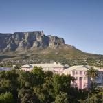 Hotel grounds with Table Mountain as backdrop