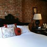 This apartment was great in every way! The GM and staff were pleasant, the room was great,the ar
