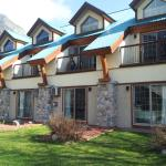 Foto de Waterton Glacier Suites