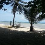 Charm Beach Resort resmi