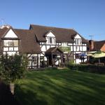 صورة فوتوغرافية لـ ‪The Little Thatch  Hotel Gloucester‬