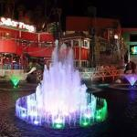 Senor Frogs infront of our hotel