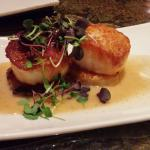 caramelized scallops (a little too sweet but good)