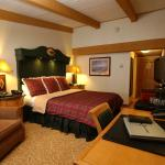 Luxury Lodge King Guest Room