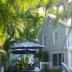 Photo de Lighthouse Court Hotel in Key West