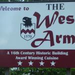 The West Arms Hotel의 사진