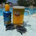 Great pool, cold beer and an excellent Greek Salad for lunch.......