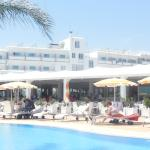 Photo de Asterias Beach Hotel