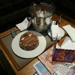 Suite: Our cake, wine and card on arrival