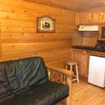 Lodge 1 (deluxe cabin) pull out futon for extra sleeping space