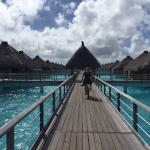 The St. Regis Bora Bora Resort resmi