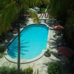 Another pool view pic.