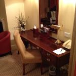 London Carlton Hotel resmi
