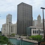 Photo de Embassy Suites by Hilton Chicago Downtown Lakefront