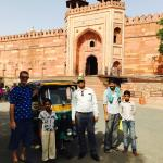 sightseeing with tour guide & locals