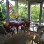 Berlian Glyn Suite Screened-in Porch