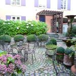 Lovely courtyard at Villa Provence