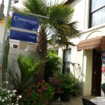 Cornerways Guest House resmi