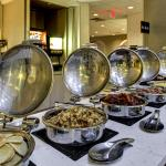 Enjoy hot delicious breakfast items at Embassy Suites Williamsburg