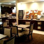 Foto de Holiday Inn Express Hotel & Suites Clearwater / US 19N