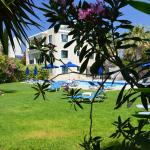 Foto de Rododafni Beach Holiday Apartments & Villas