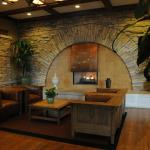 Photo de DoubleTree by Hilton Libertyville - Mundelein