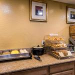 Quality Inn & Suites Goodyear Foto
