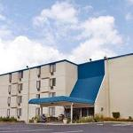 Roseville Inn & Suites