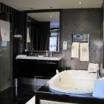 The Toren Amsterdam (Bathroom)
