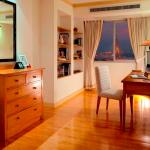 Riverfront Residence Serviced Apartments Foto