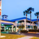 Photo of Vista Inn & Suites
