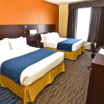 Foto de Holiday Inn Express and Suites St. Louis NW-Hazelwood