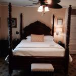 Inn On Charlotte resmi