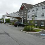 Side view of the hampton Inn