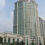 Grand Copthorne Waterfront from Singapore Creek.