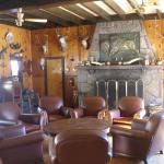 Front desk & breakfast area (hunting lodge decor!)